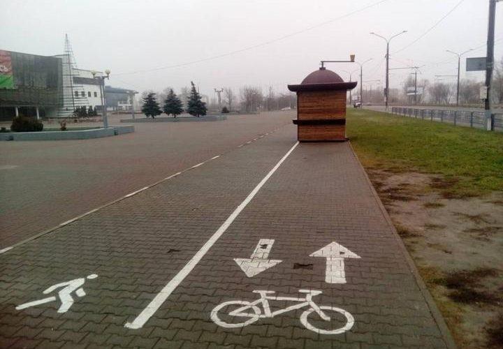 на велодорожке поставили ларек