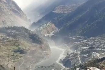 Сход ледника в Индии 2021