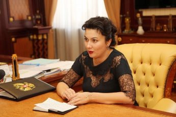 Арина Новосельская выругалась матом