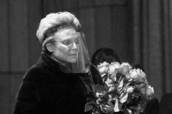 Елена Малышева умерла