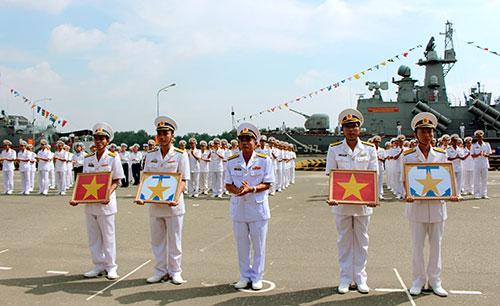 Vùng 2 Hải quân tiếp nhận hai tàu HQ 377 và 378